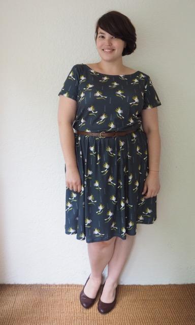 Frocks and frou frou, plus size, dress, plus size dress, home made dress, cockatoo print, colette dress, moneta dress